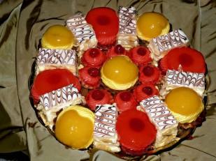 Maesto Nikola komadni kolači voćne korpice ananas i breskva, mil fej
