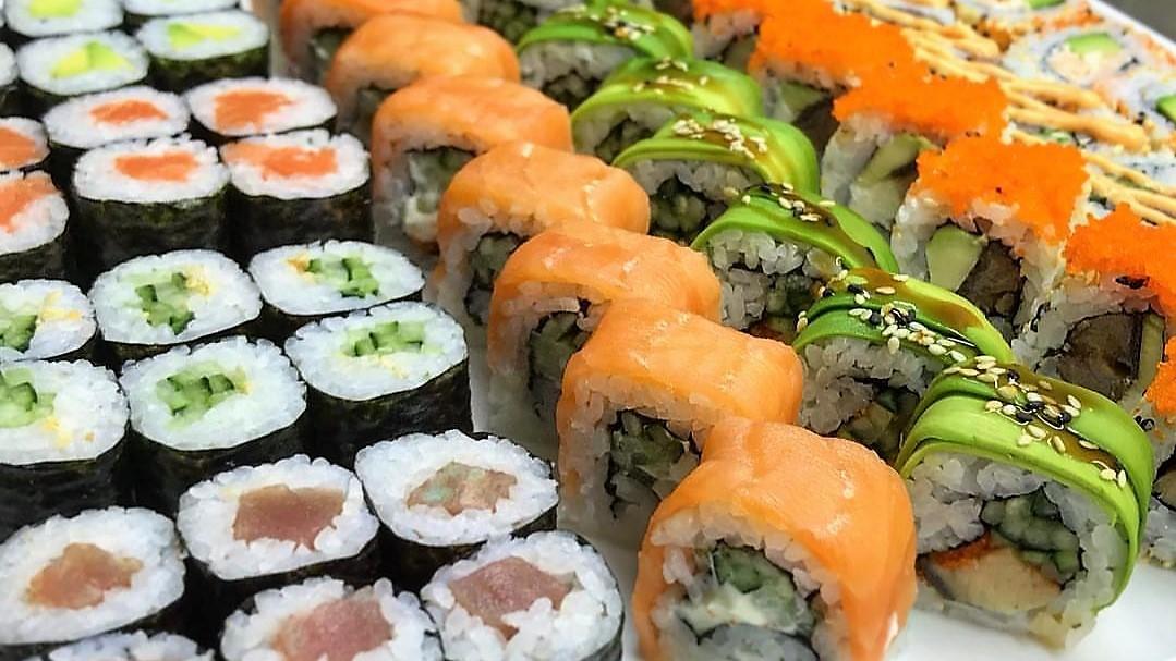 razne_sushi_rolne_sushi_bar_one_more