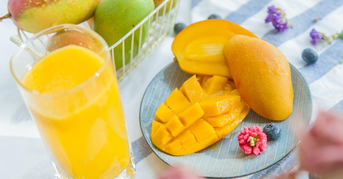 sok od manga i mango isecen na kriske