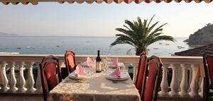 sto_u_restoranu_sutomore_sa_pogledom_na_more