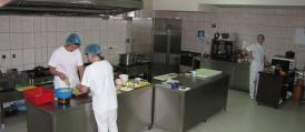 Restoran Taša Pljevlja kuhinja je opremljena najsavremenijim uređajima